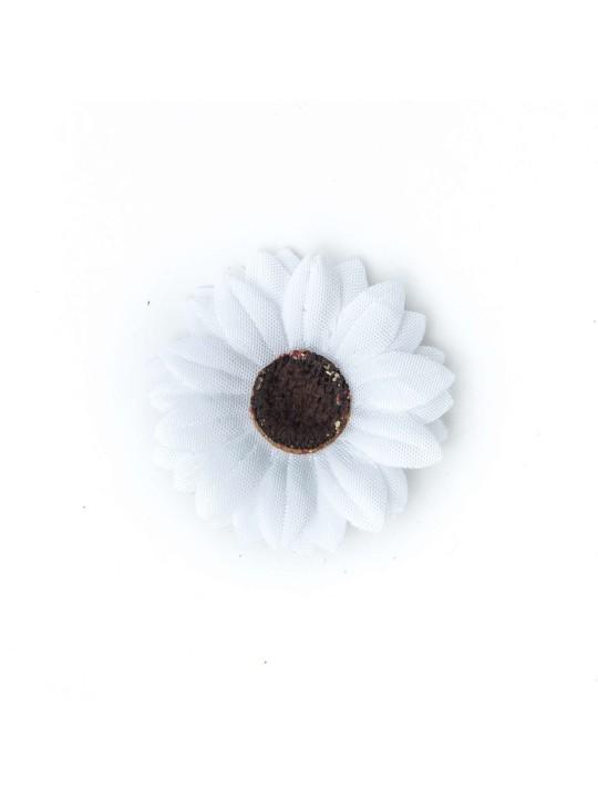 White Baby Daisy/Vintage